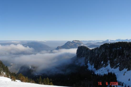 ski de rando en montant au petit Som