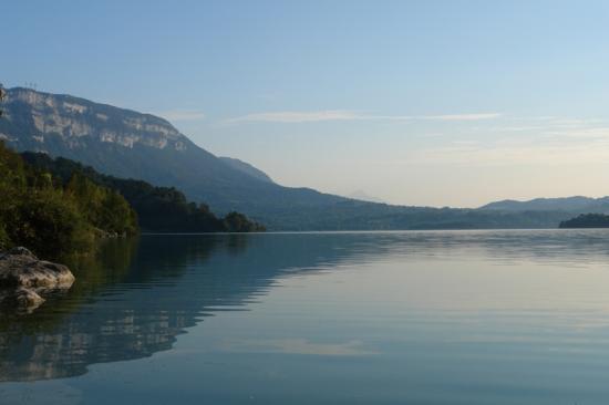lac d'Aiguebelette vu sur le mont Grel