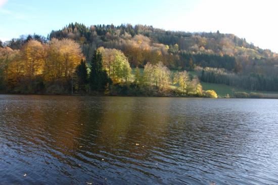 lacs de Sixte en automne