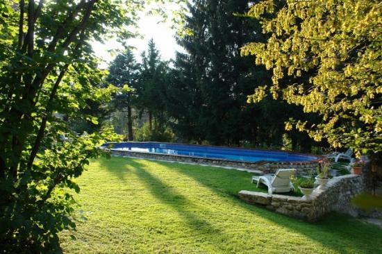 piscine seul avec les murs